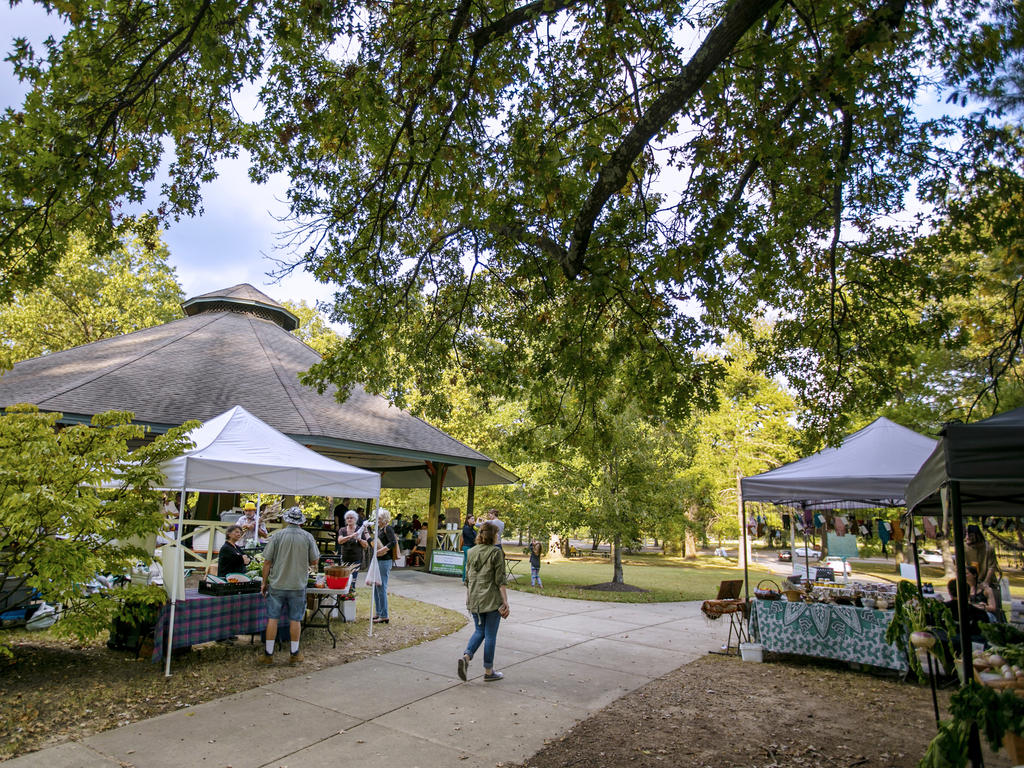 farmers' market at the park